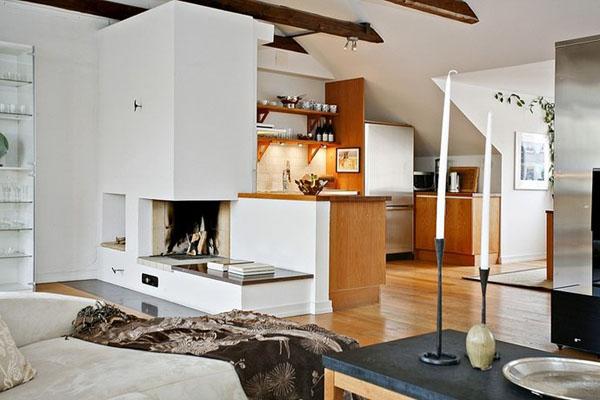 baltos sienos, lubos, medinės sijos palėpėje8