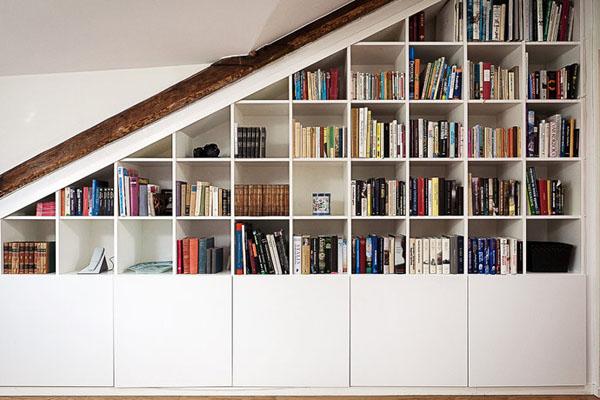baltos sienos, lubos, medinės sijos palėpėje9