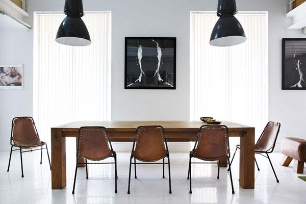 fotografijos, šviestuvai, stalas, kėdės, valgomojo erdvėje
