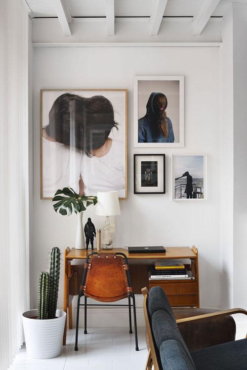 fotografijos ant sienos, stalas, kaktusas