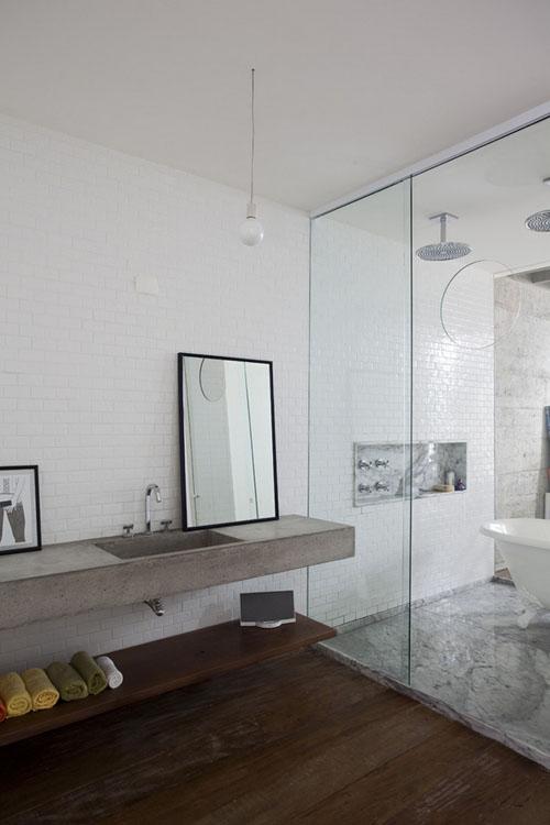 betoninė kriauklė, balta vonia