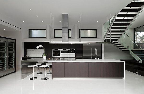 juoda, balta virtuvė, didelė sala