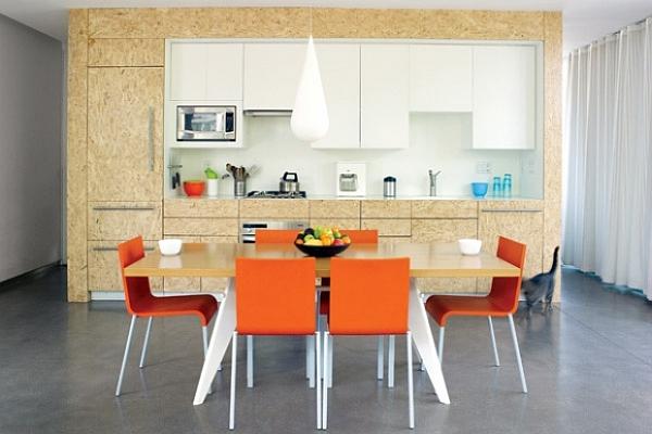 OSB, baltos spalvos virtuvės spintelės vienoje linijoje