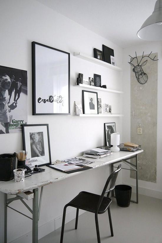 ilgas stalas prie sienos namų biure