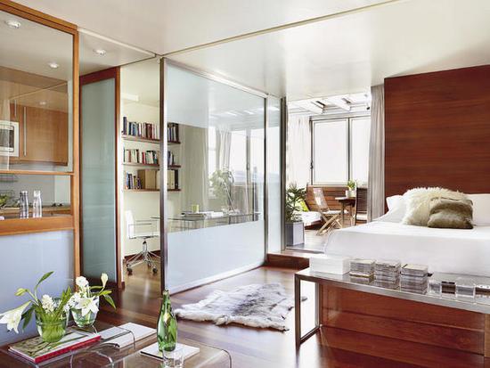 bendra erdvė, darbo kambarys, terasa, lova