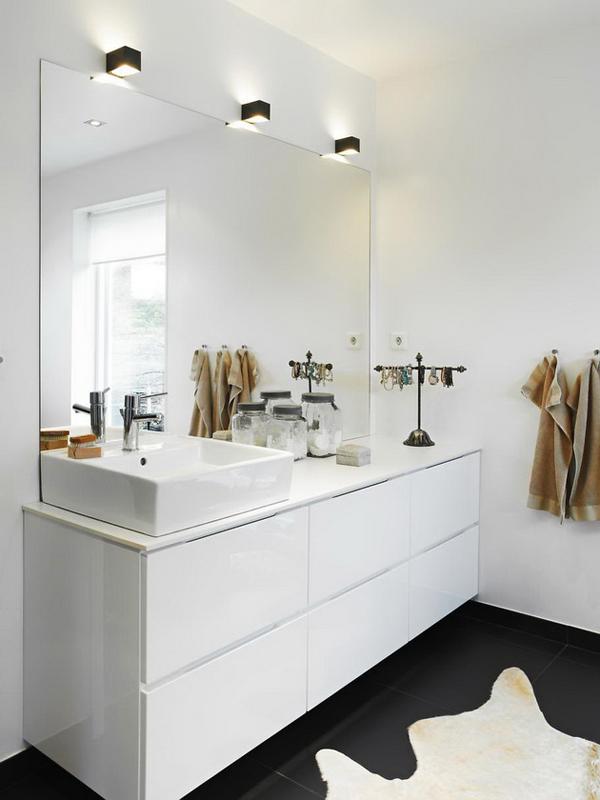 10-bathroom-mirror
