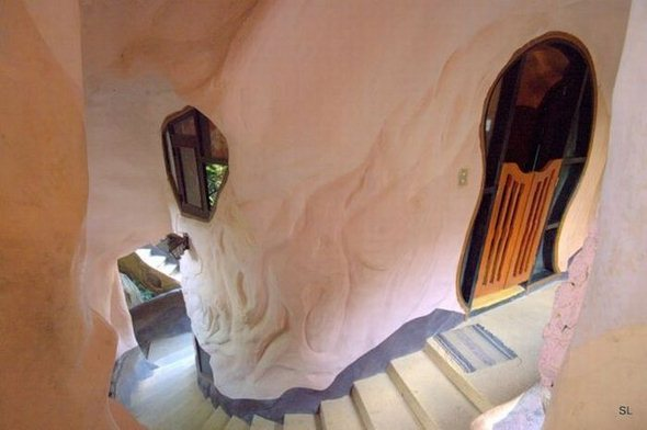 strange_house_in_vietnam_08