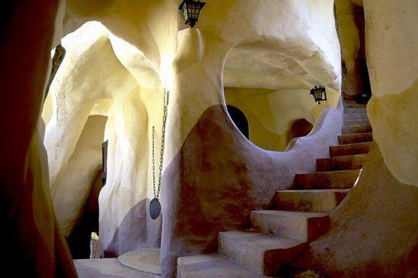 strange_house_in_vietnam_51