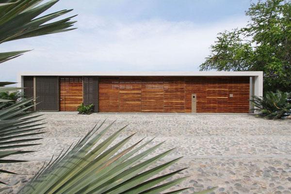 Casa-Almare-Elias-Rizo-Architects- gatvės fasadas