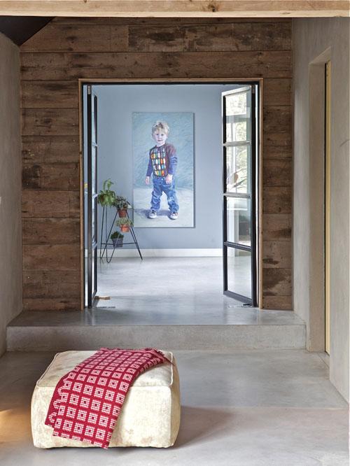 Verbouwde-woonboerderij-doorkijk-stalen-deur-16