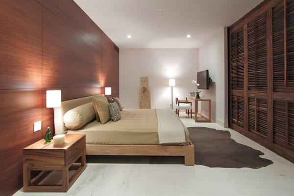 medinė siena miegamąjame