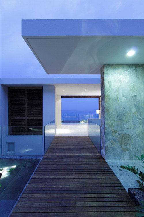 pastato formos, vaizdas į jūrą