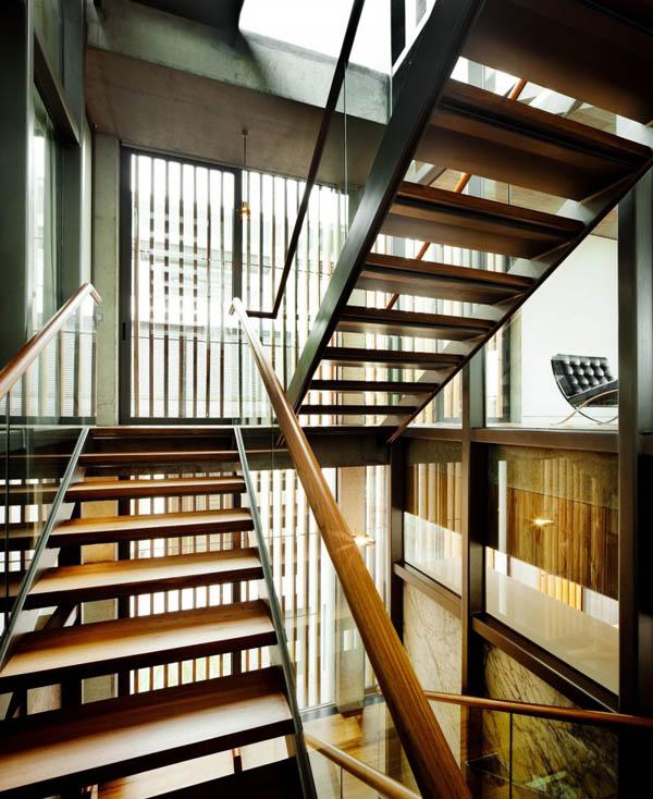 laiptų aikštelė tarp aukštų