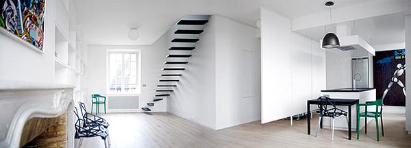 svetainės, virtuvės erdvė, minimalūs laiptai