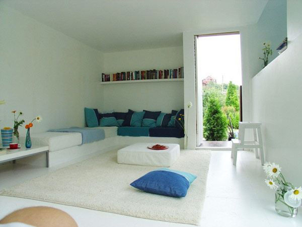 24 m2 namo interjeras, integruota minkšta dalis