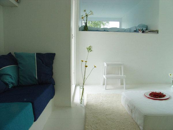 24 m2 namo interjeras, svetainės, miegamojo erdvė