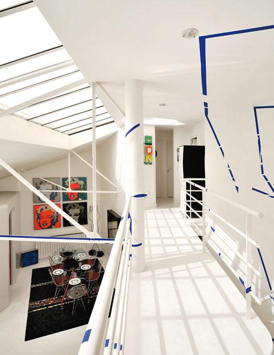 atviras koridorius palėpės antrame aukšte