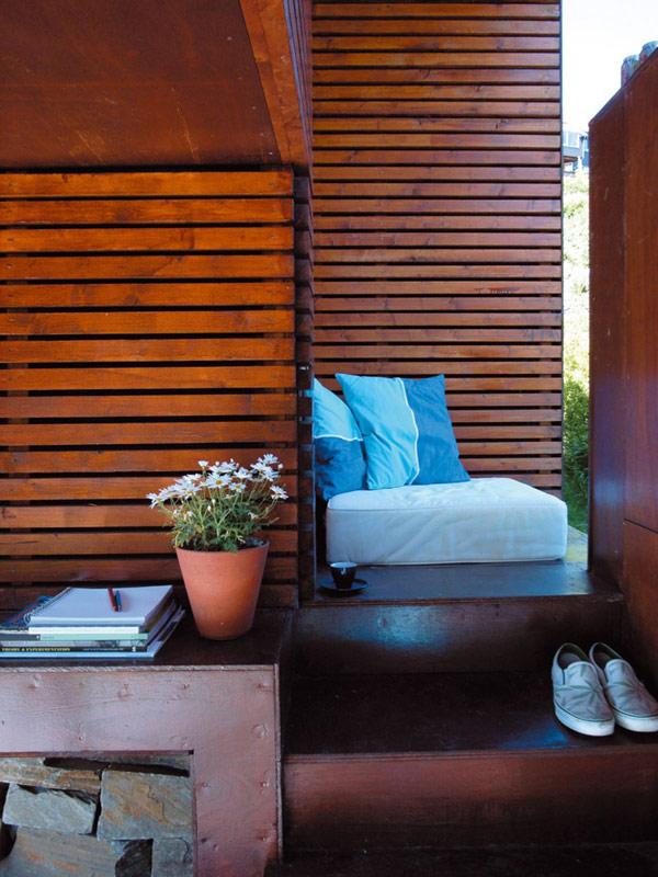 24 m2 namo mediniai laiptai