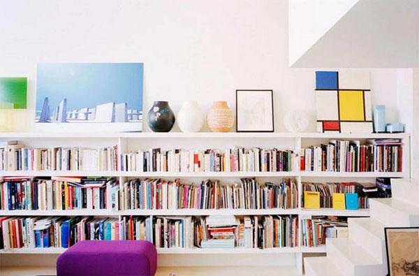 knygų lentyna, laiptai
