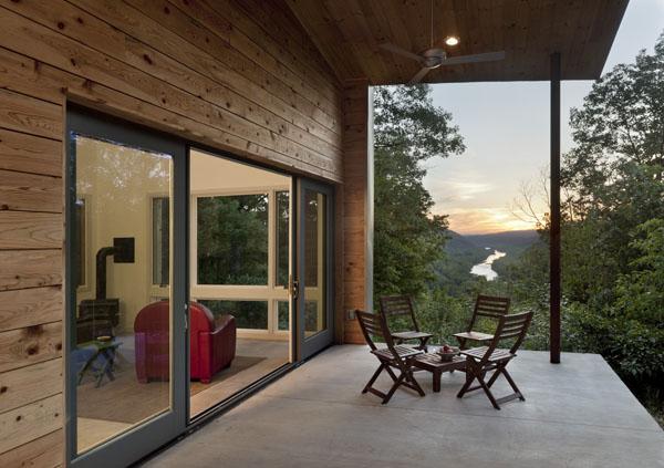 Ridgehouse, namo terasa, vaizdas į slėnį