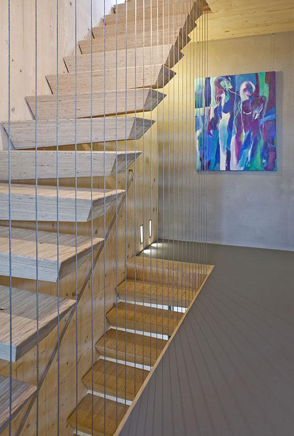 laiptai kabantys ant trosu