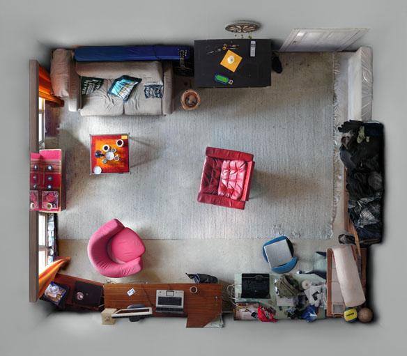 pilkas kambario interjeras is virsaus