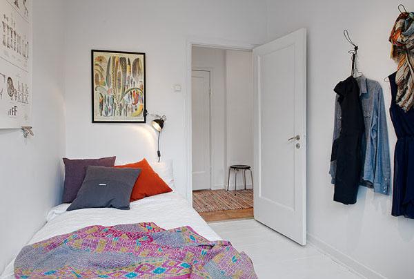 miegamasis paveikslas virs lovos