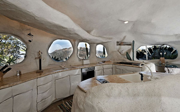 Flintstones-namas virtuve akmens formos