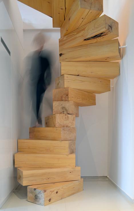 medzio brusu laiptai vaizdas priekis