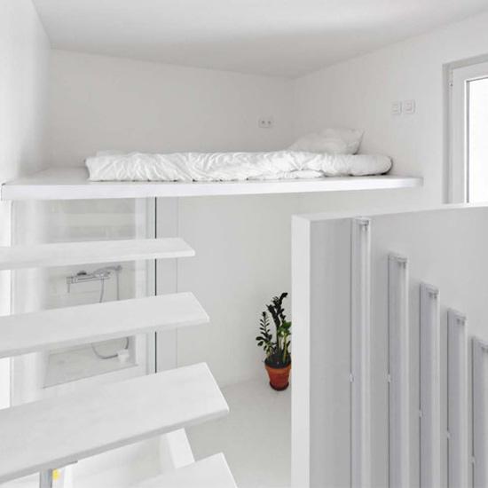 lova virs duso kabinos