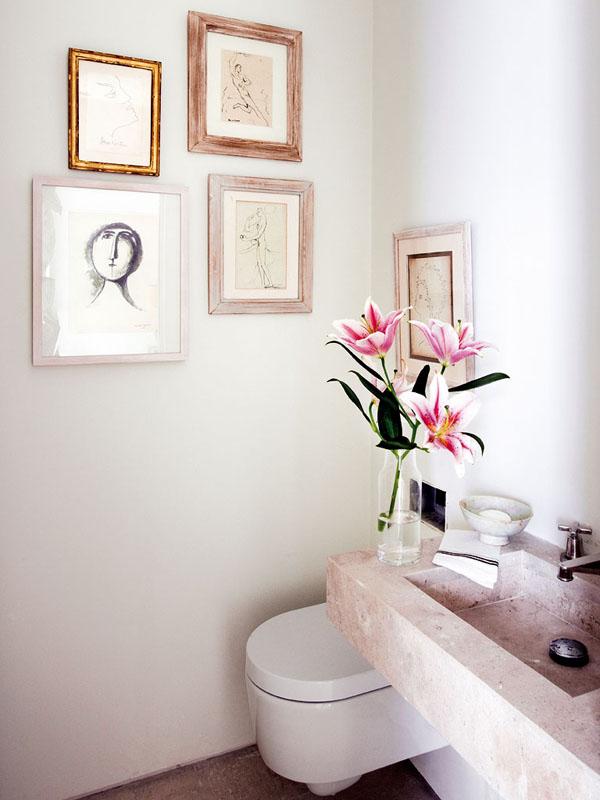 paveikslai tualete