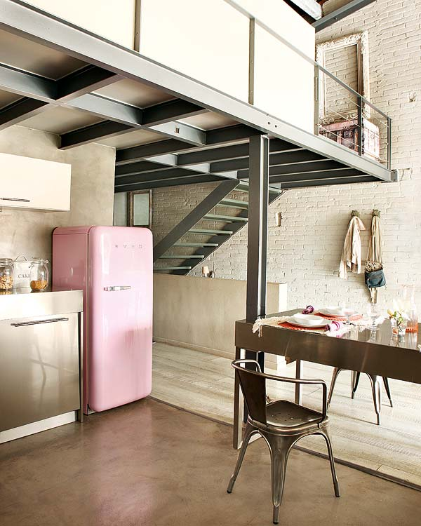 pink saldytuvas metalinis stalas