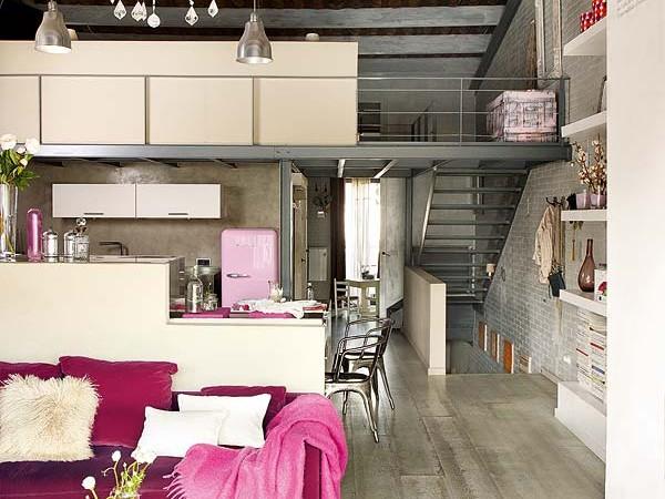 purpurine sofa staliukas
