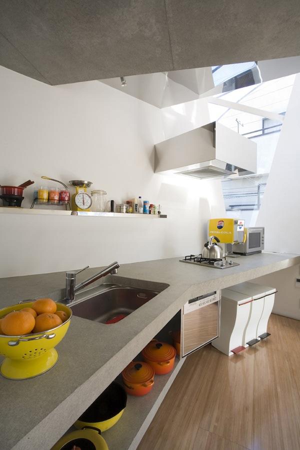 mazas namas virtuve baldai tokijuje