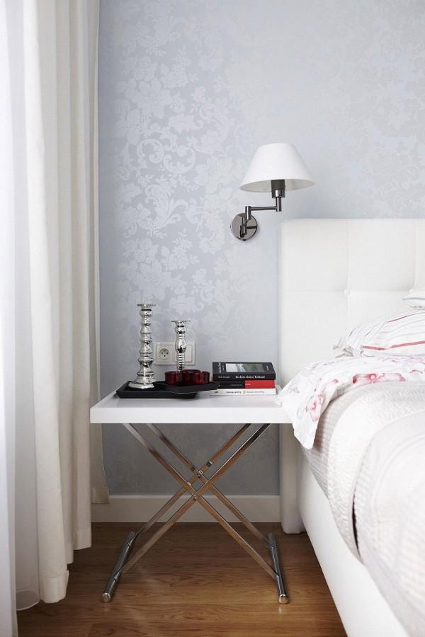 staliukas prie lovos