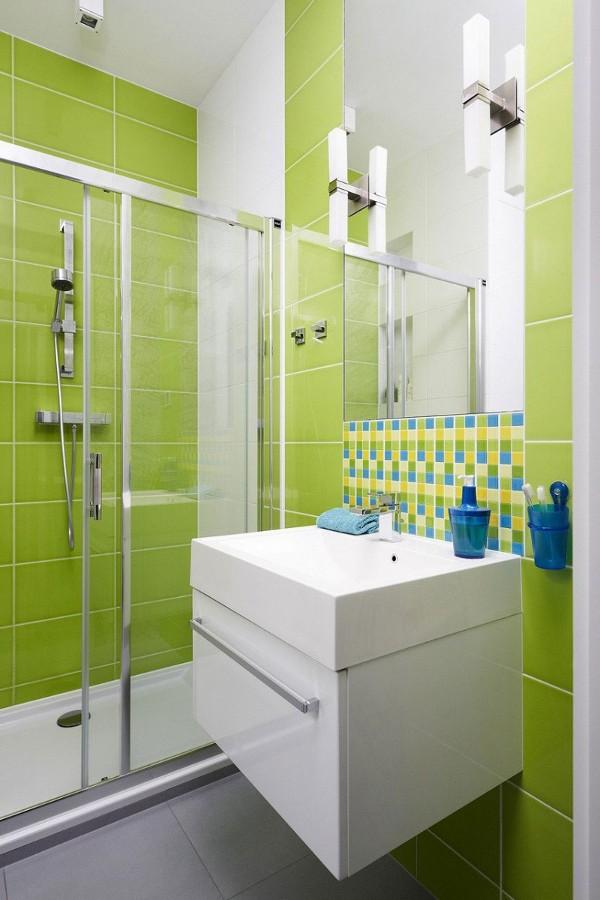 zalios plyteles vonioje