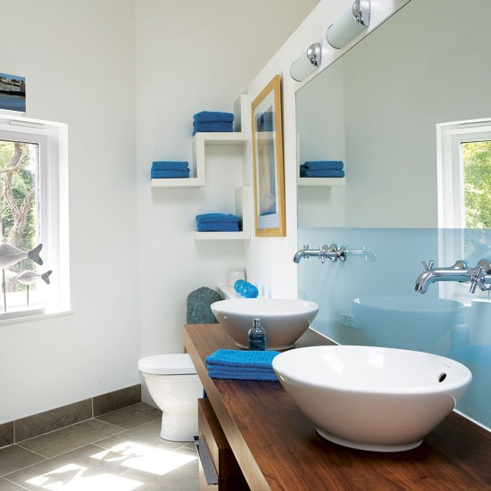 blue-bathroom-design-ideas-40