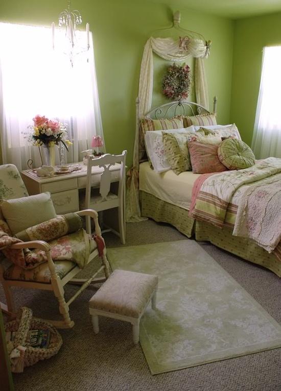 geliu vaza miegamasis