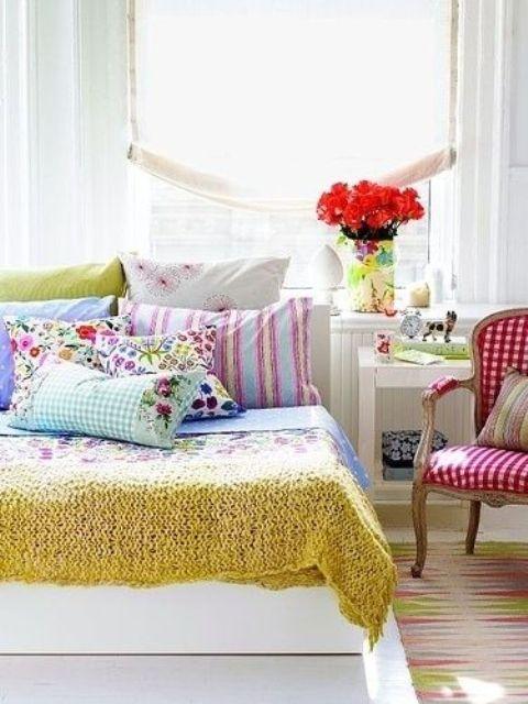 raudonos geles langas lova