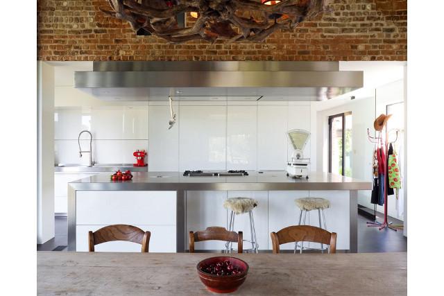 virtuve, metalas, plytu siena