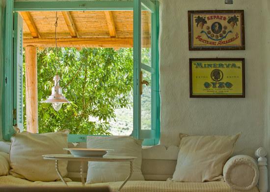 namas graikijoje, langas