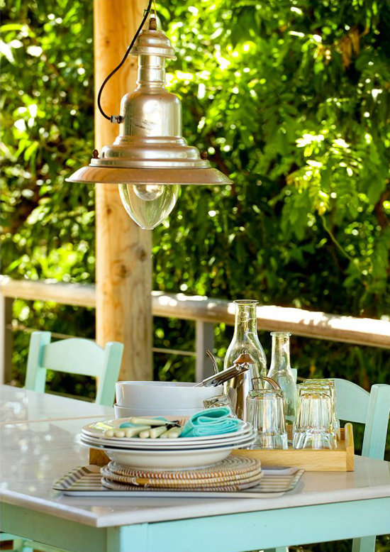 namas graikijoje, lempa verandoje
