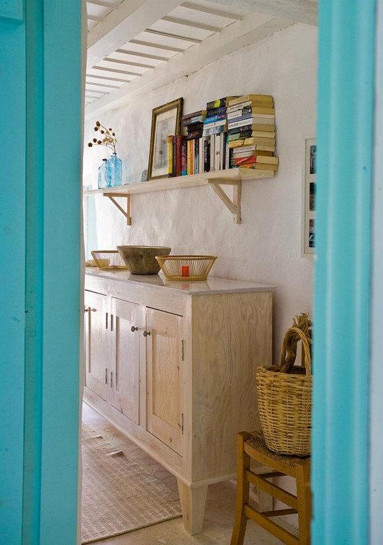 namas graikijoje, lentyna, duru arka