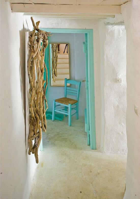 namas graikijoje, medines sakos, koridorius