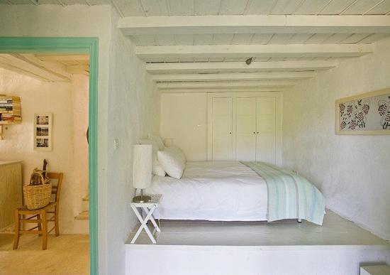 namas graikijoje, miegamasis, pakyla