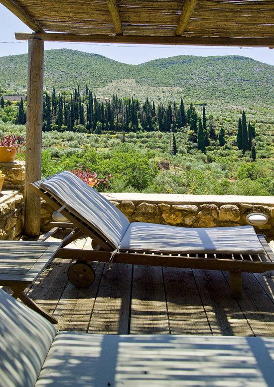 namas graikijoje, veranda, vaizdas kalnai