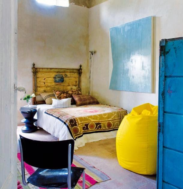miegamasis, sena lova, geltonas sedmaisis