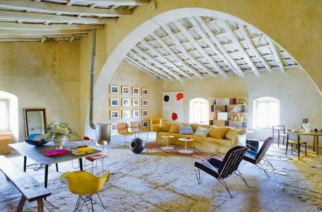 rekonstrukcija, svetaine, lubos,mediniai balkiai, arka