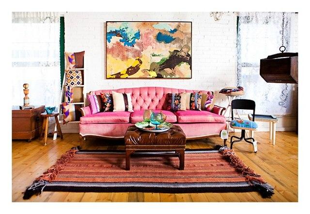 svetaine eklektika rausva sofa