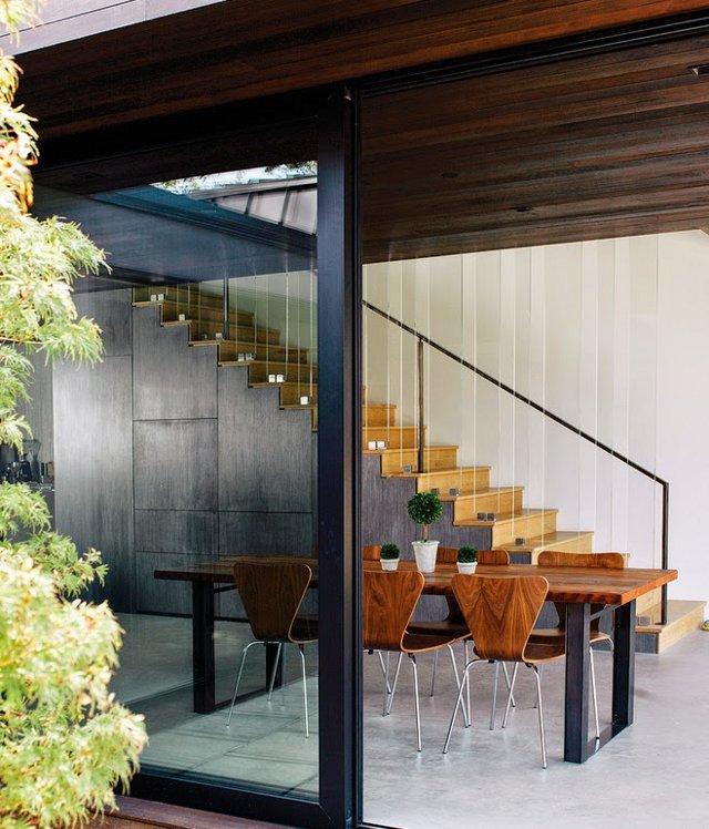 valgomasis stalas, laiptai